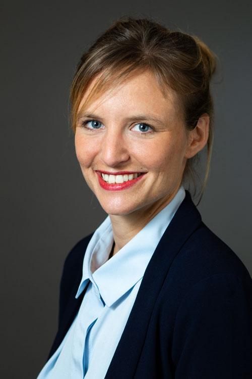 Biographie d'Anne-Charlotte Bellenguez, ancienne ESSEC, Unibail-Rodamco-Westfield, Apsys et Axa IM